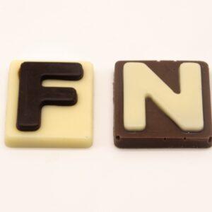 Letras de chocolate (par)