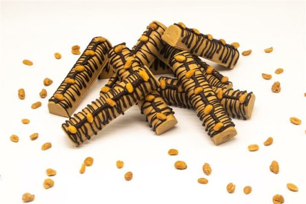 Turron chocolate relleno crema de Cacahuete